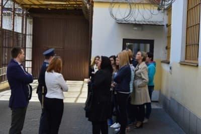Wizyta w zakładzie karnym, medyk, WSBiNoZ
